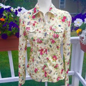 Lei fitted yellow floral Blouse size L Junior